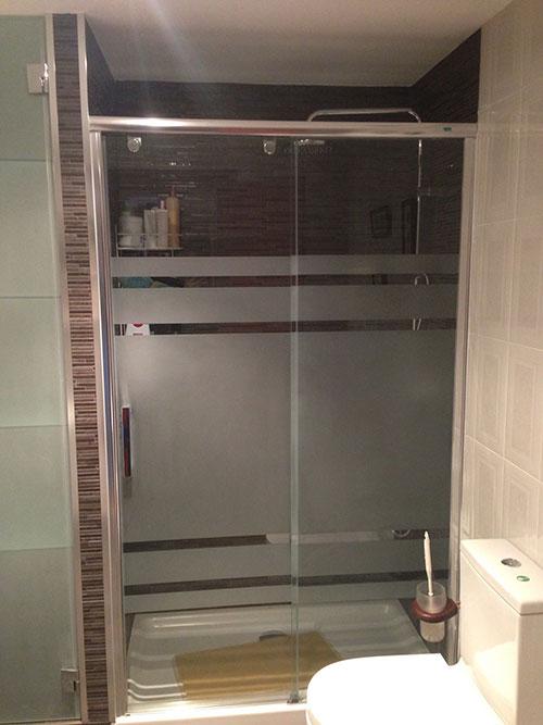 Mamparas de ducha en ba os instalaci n a - Mamparas de ducha serigrafiadas ...