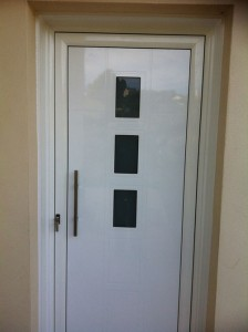 Puerta exterior en aluminio